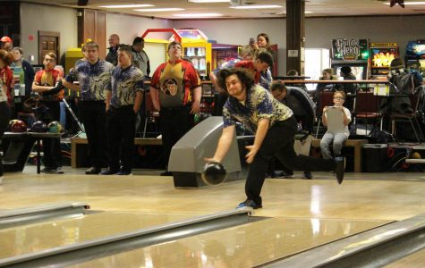 Bowling Compete in Central District Preview